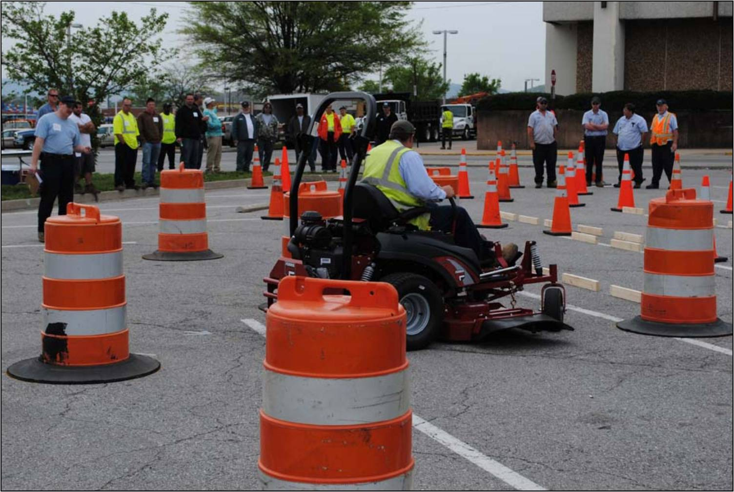 Town of Vinton employee Jared races through the obstacle course in the Zero Turn Mower event.
